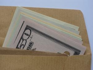 brown-envelope-money